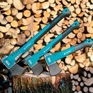 Топоры, лопаты , вилы
